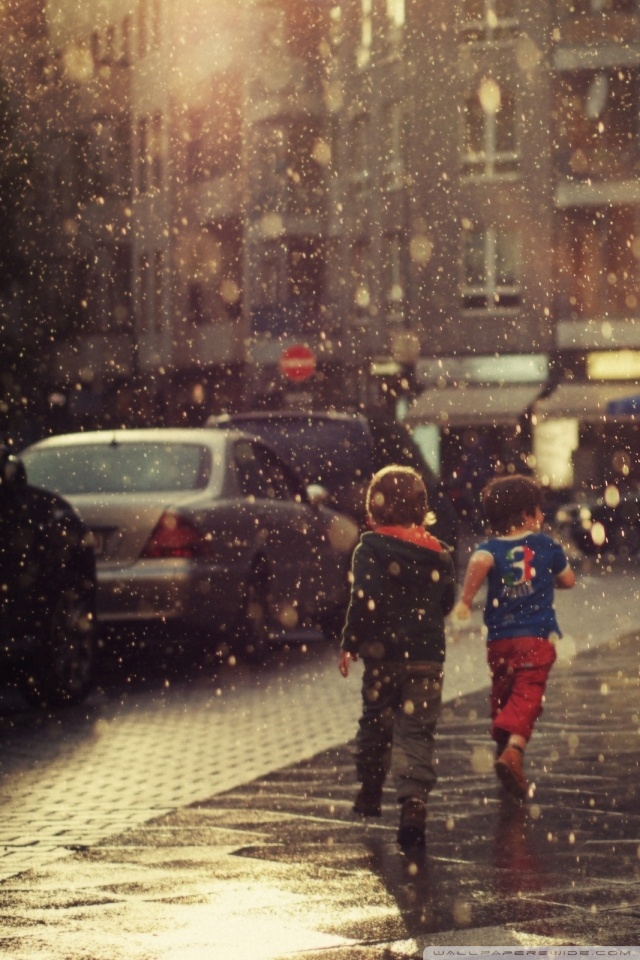 Prada Wallpaper Iphone Children Running In The Rain 4k Hd Desktop Wallpaper For