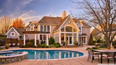 House With Pool In The Yard 4K HD Desktop Wallpaper for 4K Ultra HD TV • Wide & Ultra Widescreen ...