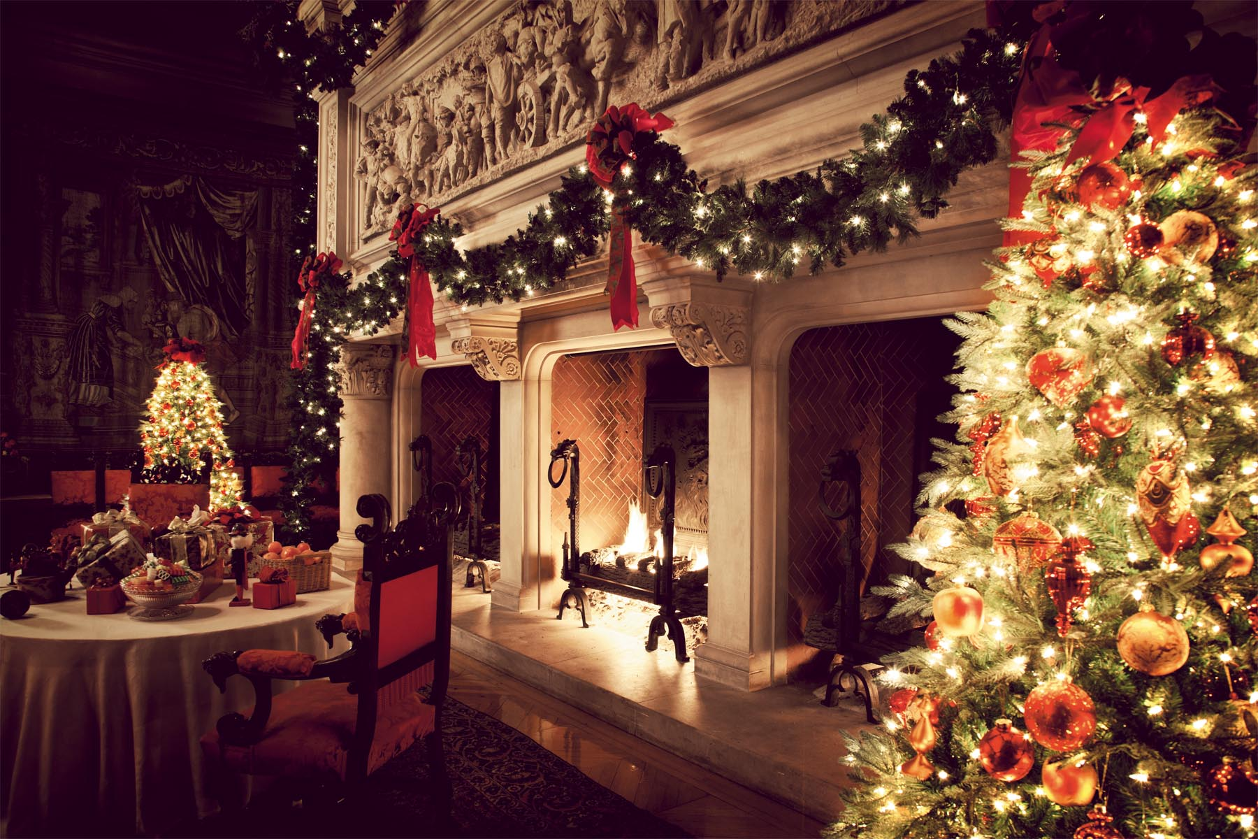Christmas Fireplace Wallpaper Christmas Fireplace Fire Holiday Festive Decorations J Wallpaper