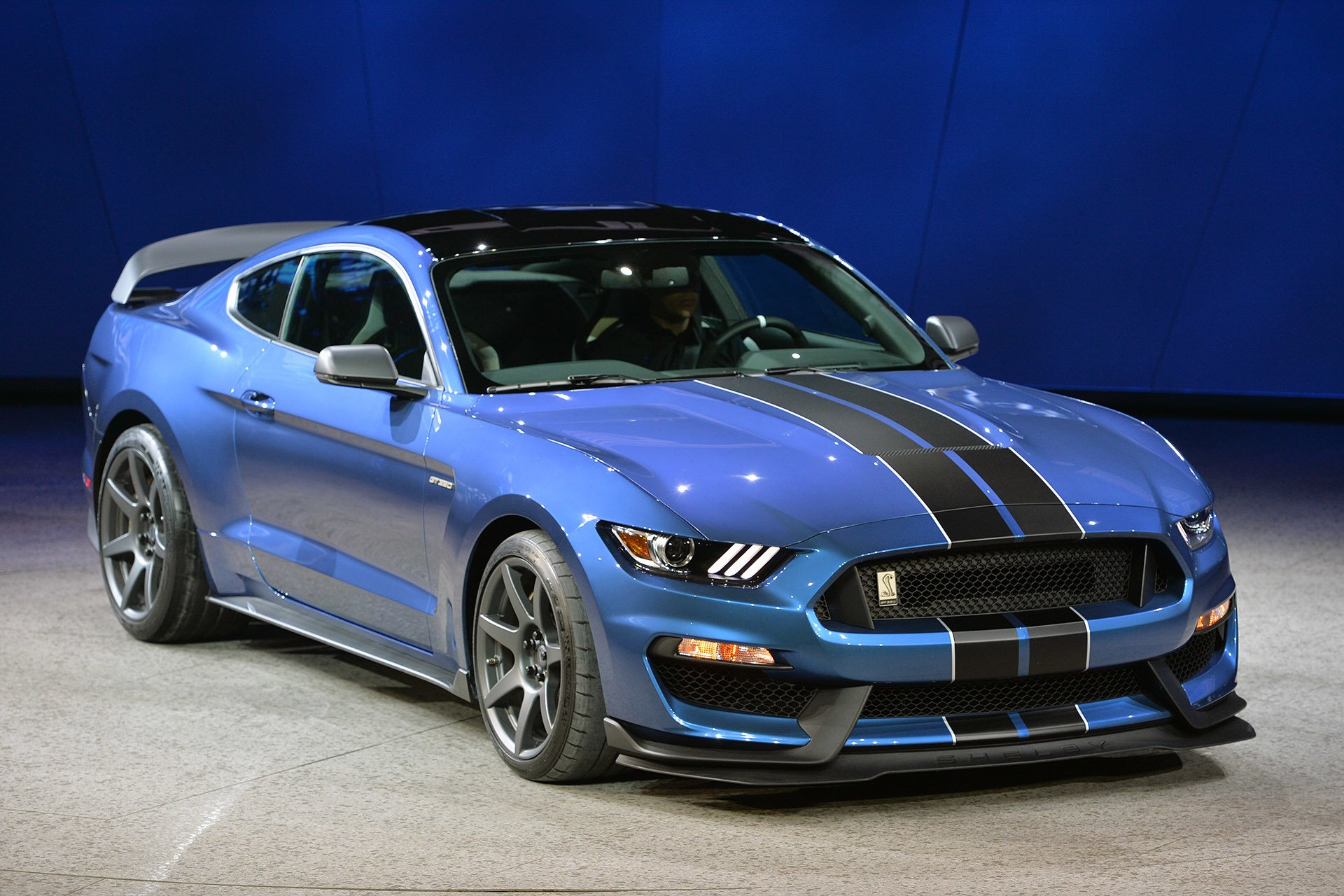 Ford Mustang Shelby Gt350r Ford Mustang Shelby Gt350r 2015 Dark Cars Wallpapers