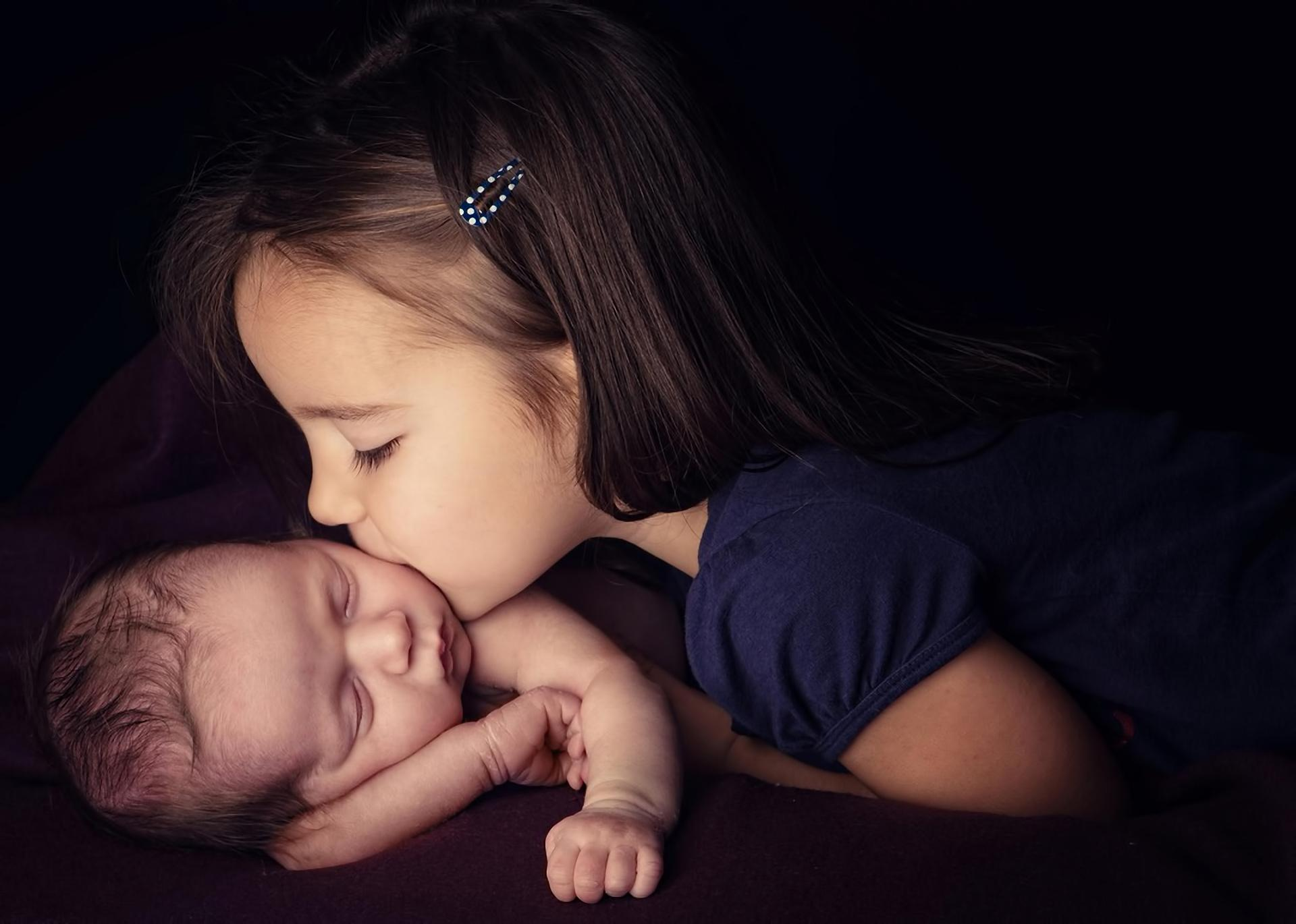 New Born Baby Wallpapers Girl Child Kiss New Born Baby Wallpapers Hd Desktop And Mobile