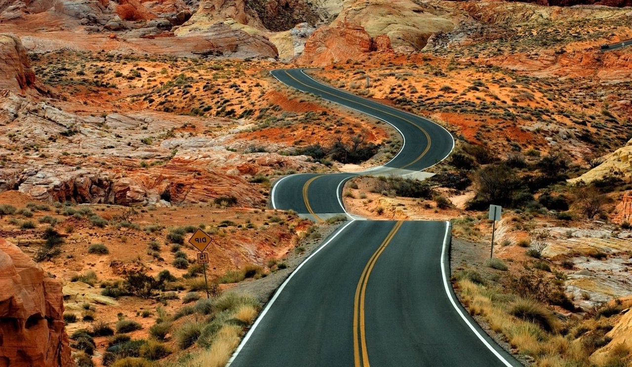 3d Curved Wallpaper Curved Road At The Desert Wallpapers Hd Desktop And