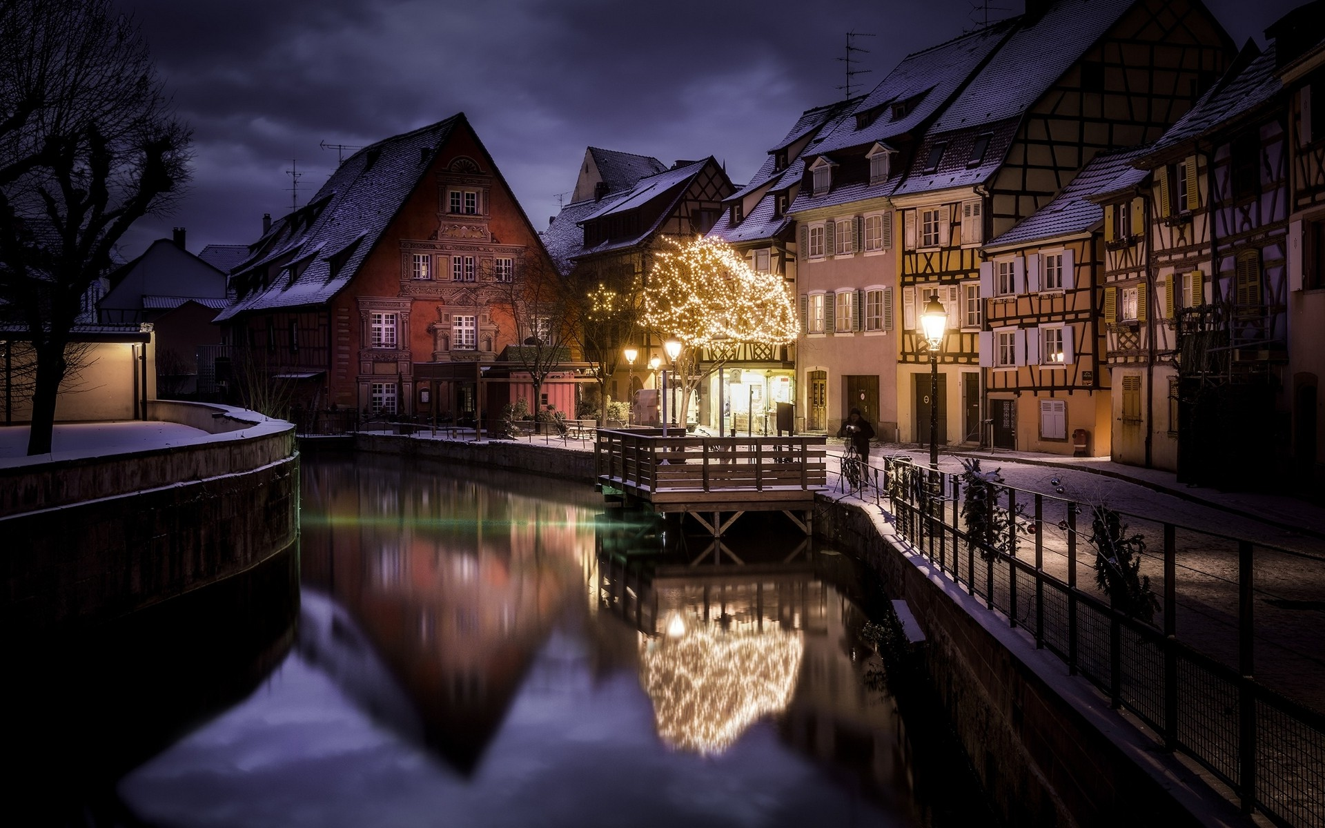 Happy New Year Movie Hd Wallpaper Download Landscape Nature City Canal House Winter Snow
