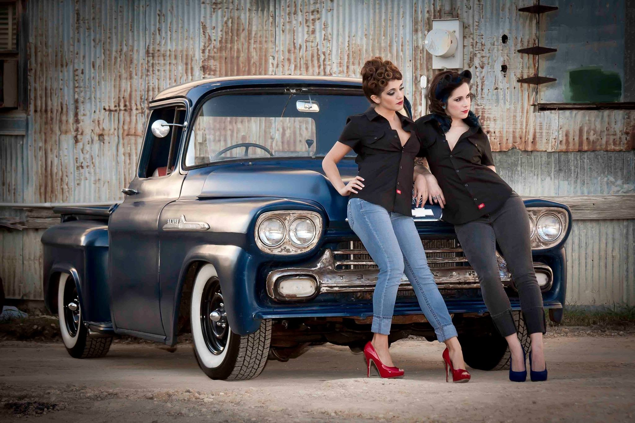 Car Wallpapers Women Car Jeans Women With Cars Old Car Chevrolet