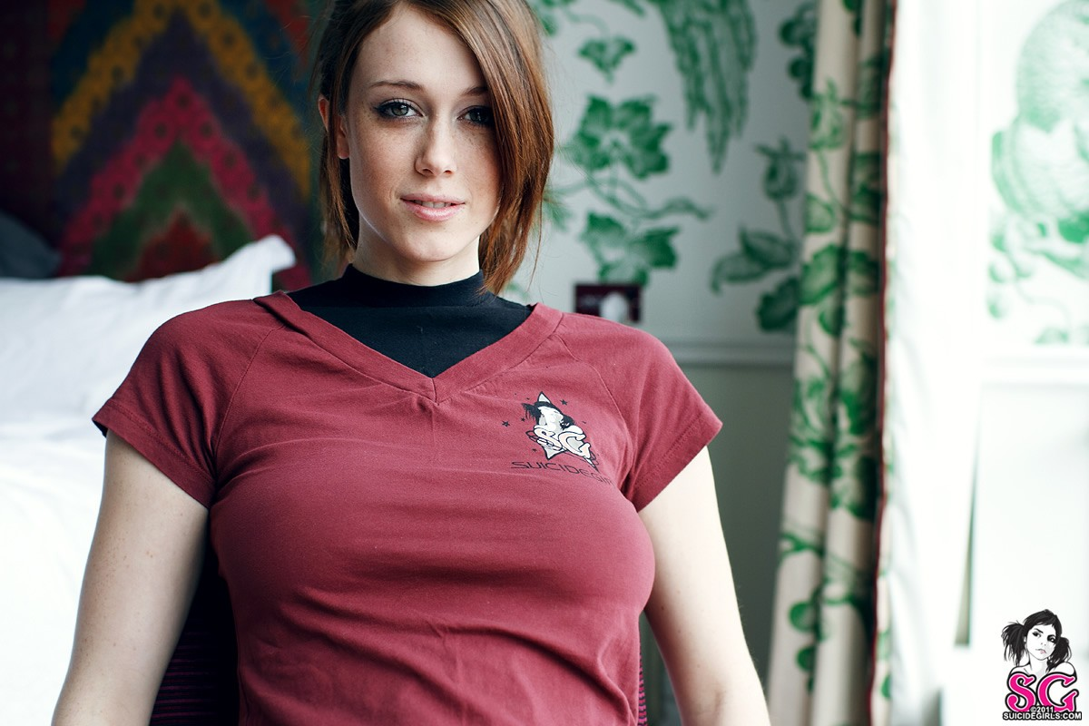 Wwe Wallpapers 2012 3d Suicide Girls Face Women Chad Suicide Charlotte