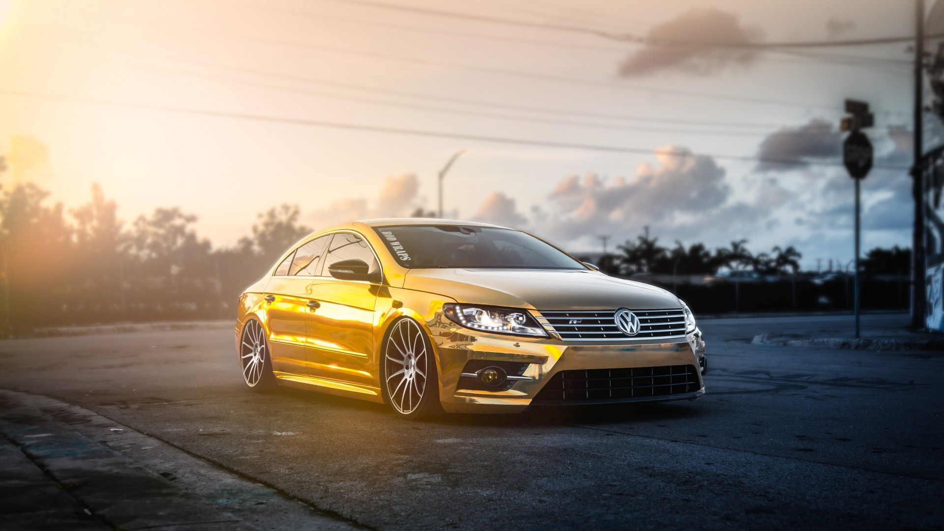 Retro Car Home Wallpaper Gold Volkswagen Passat Car Sun Rays Wallpapers Hd