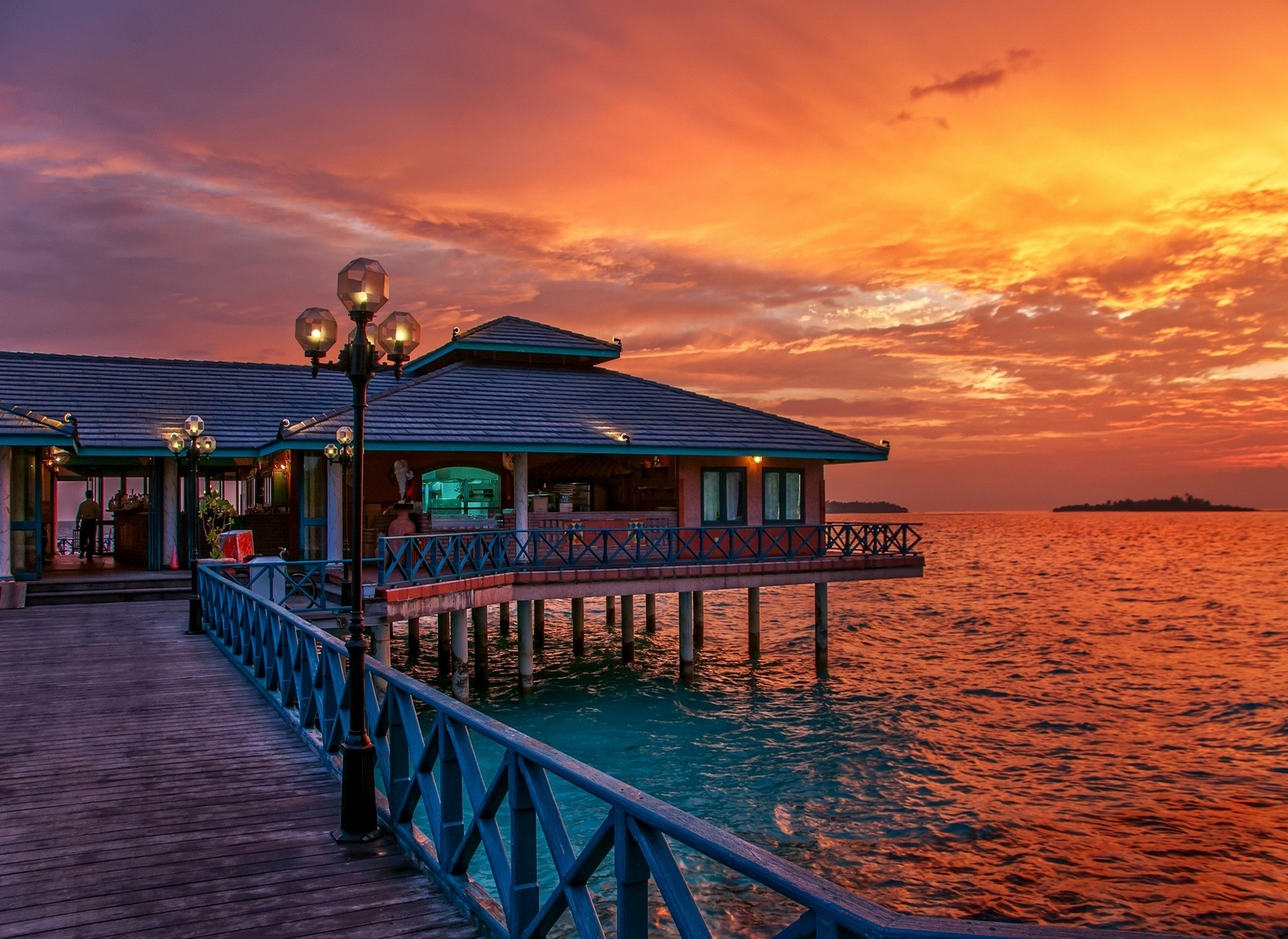 Hd Movie Wallpapers For Mobile Maldives Restaurant Sunset Sea Tropical Sky Walkway