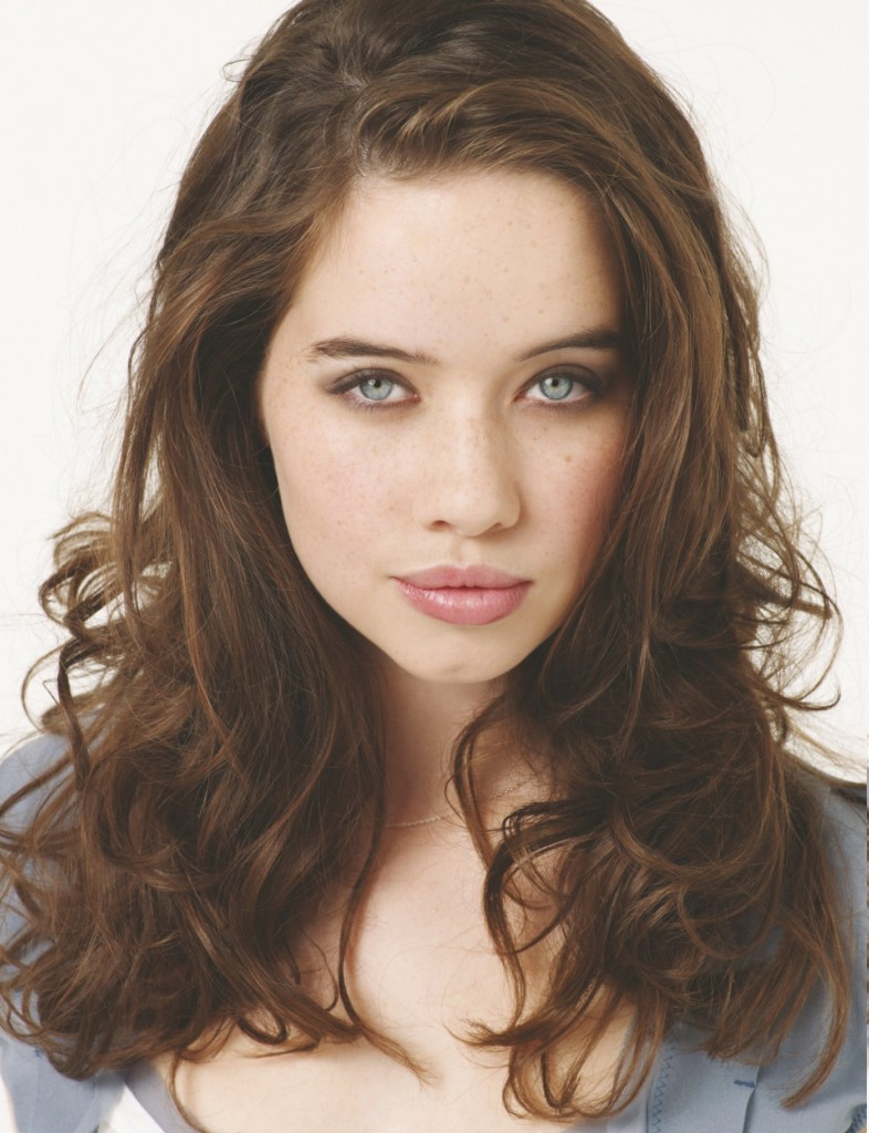 Wallpapers 4k Of Beautiful Women Girls Females Women Anna Popplewell Brunette Blue Eyes Portrait