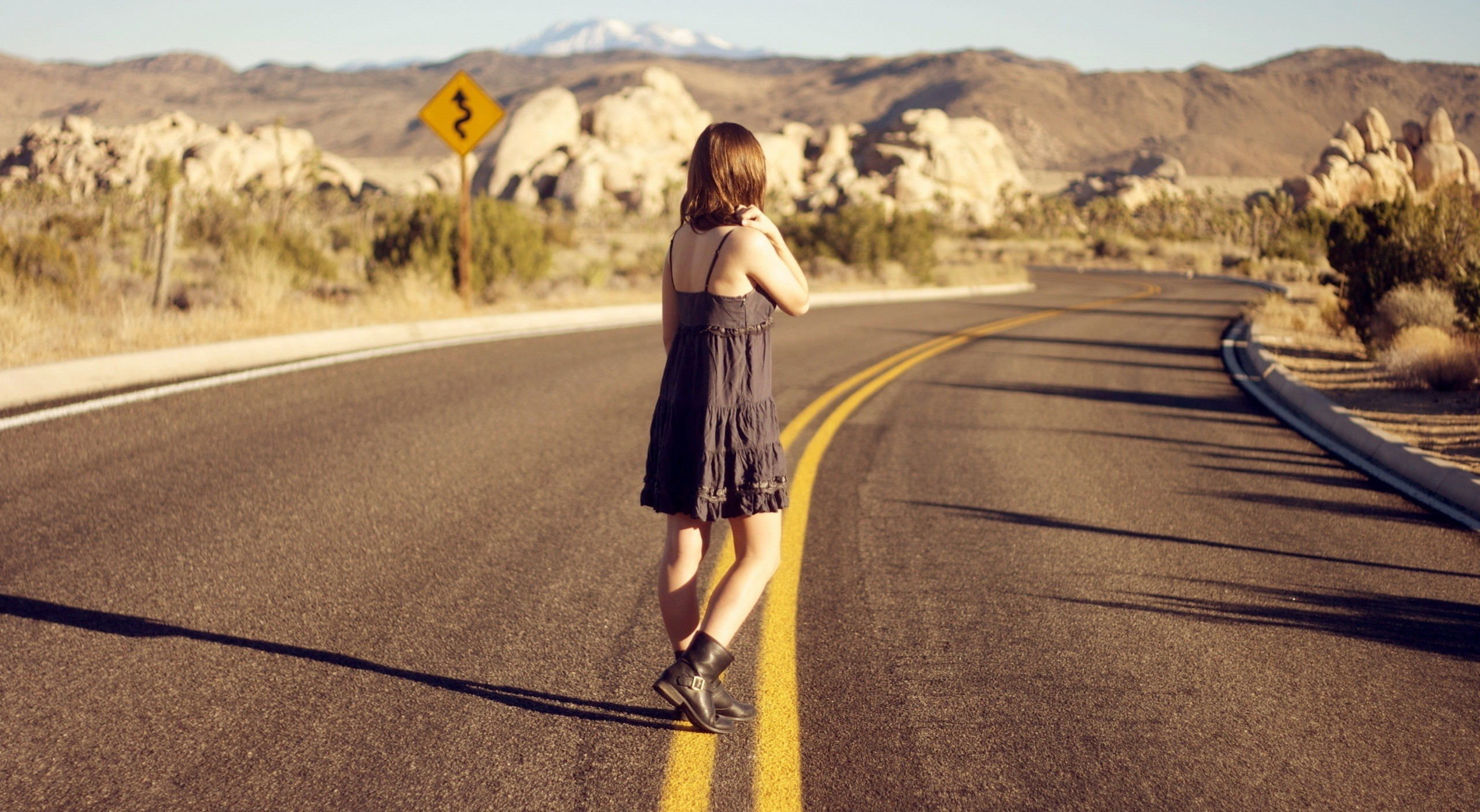 Alone Quotes Wallpaper Free Download Women Alone Road Wallpapers Hd Desktop And Mobile