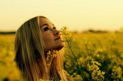 Rapeseed, Women Outdoors, Blonde, Yellow Flowers, Looking Up, Flowers Wallpapers HD / Desktop ...