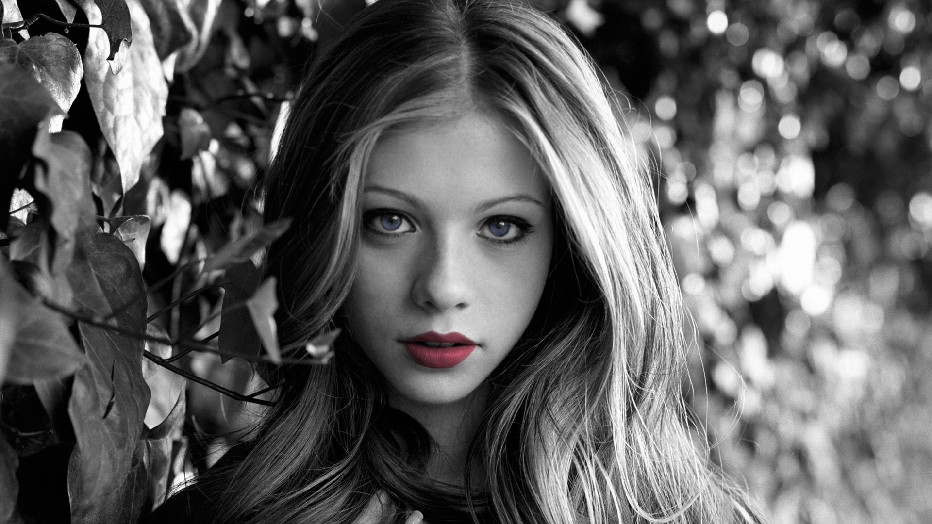Girl Red Lips Wallpaper Michelle Trachtenberg Wallpapers Hd Desktop And Mobile