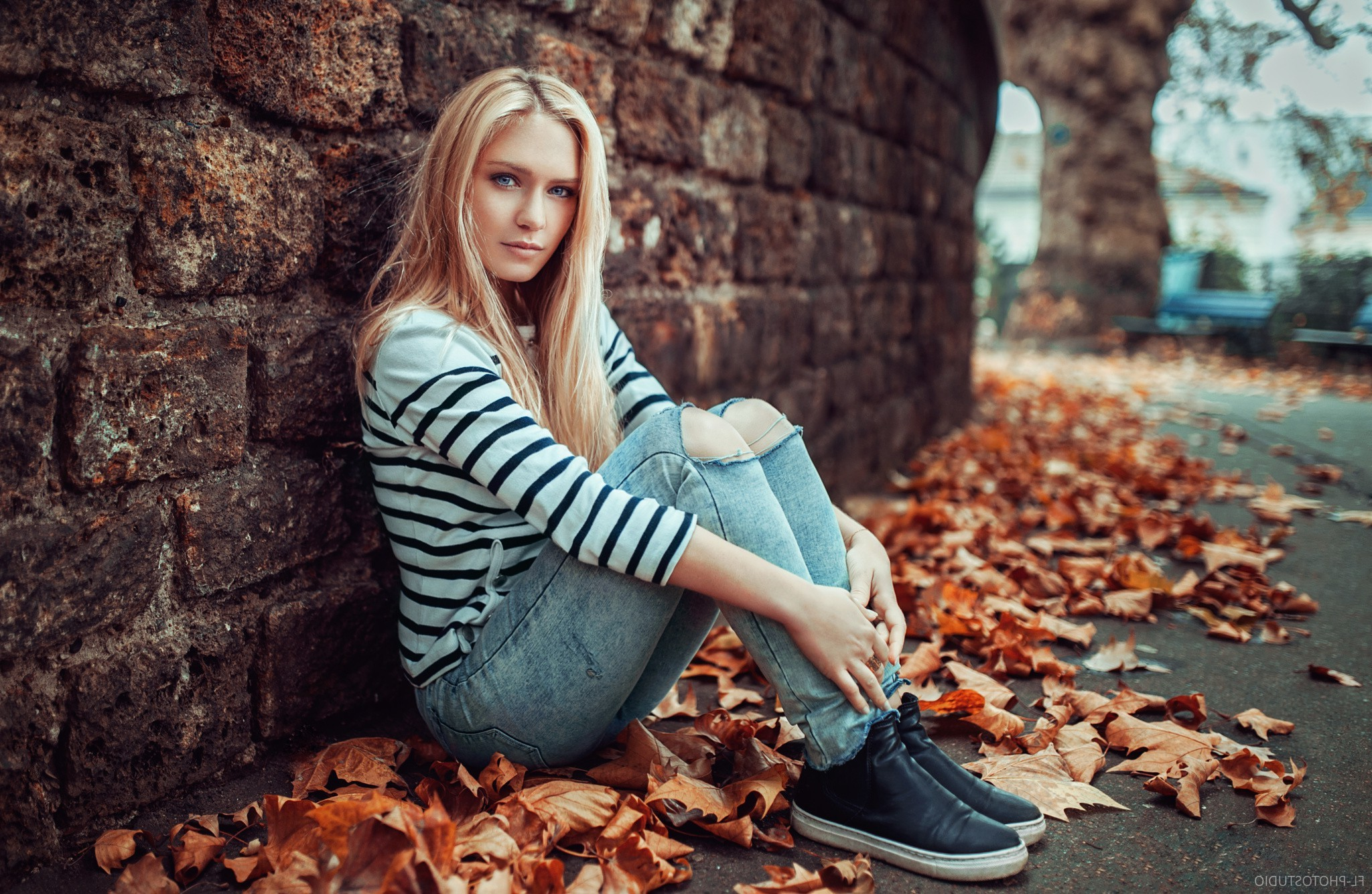 1920x1080 Fall Urban Wallpaper Women Blonde Sitting Looking At Viewer Pants Jeans