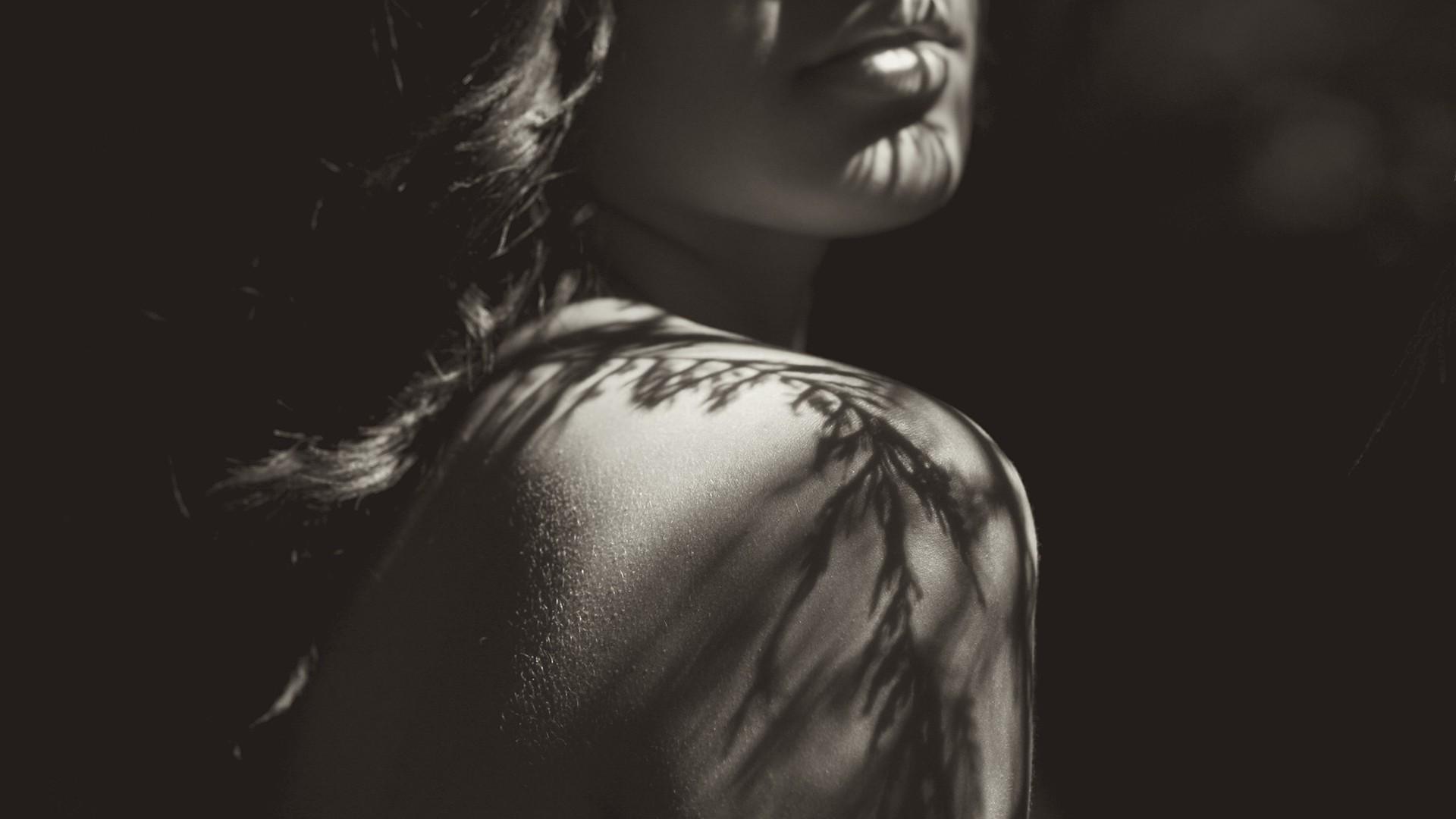 Girl Face Wallpaper 5k Women Monochrome Shadow Bare Shoulders Brunette Face