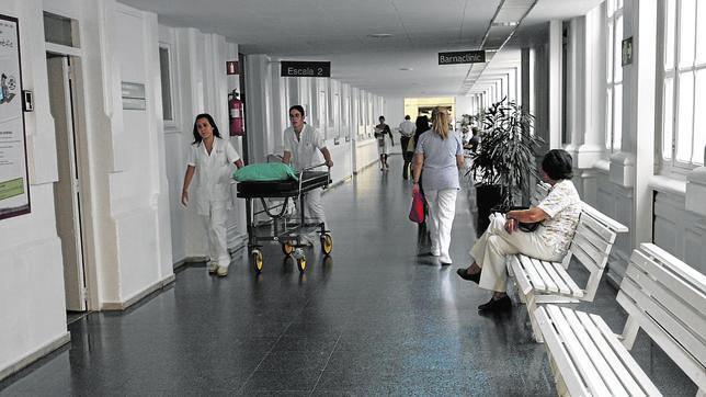 BARCELONA. FOTO DEL PASILLO DEL HOSPITAL CLINIC. CLINICO. FOTOS INES BAUCELLS. ARCHDC