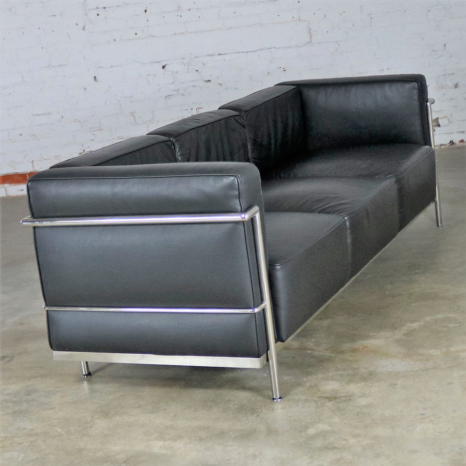 Sofa Le Corbusier Le Corbusier Lc3 Grand Comfort Style Black Leather Three ...