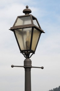 Antique street lamps - a vintage feel for the ...
