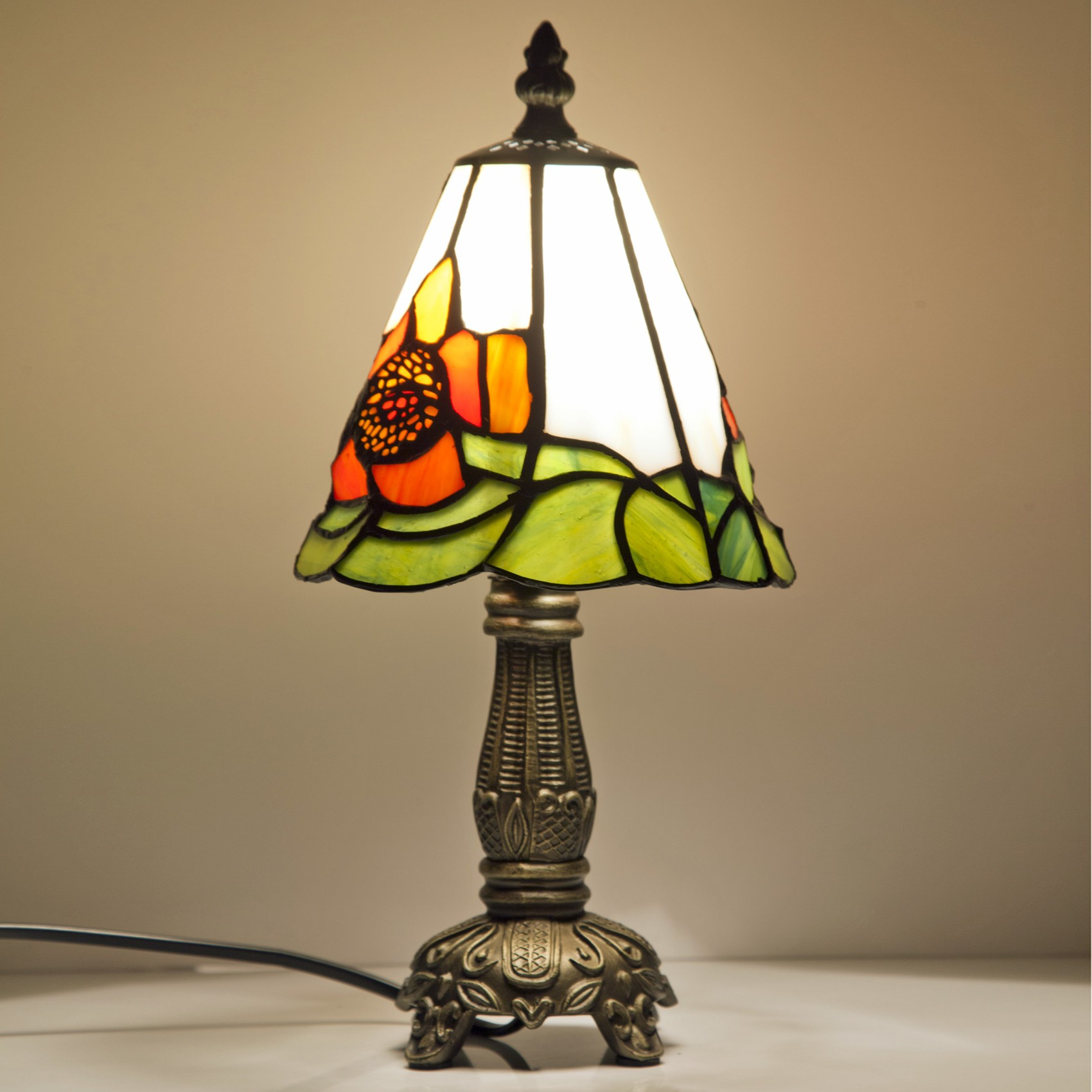 Small Table Lamp Make Romantic Atmosphere With Small Table Lamp Warisan
