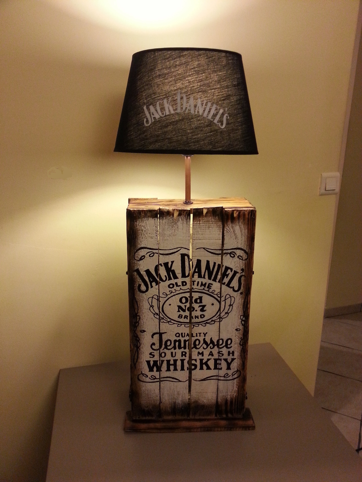 Decoration Murale Tableau Discovering How To Make A Jack Daniels Lamp | Warisan Lighting