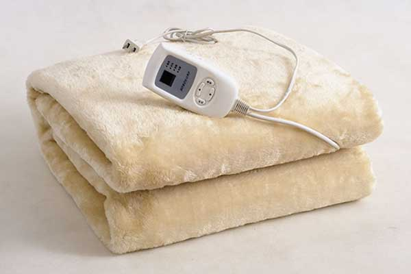 Best Electric Blankets 2018 Warm And Cozy All Year Long