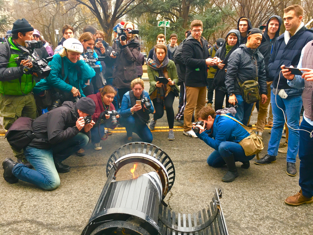 Fun Trash Can Grasping For Metaphor Reporters Flock To Burning Dc Garbage Can