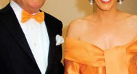"""Former American Ambassador to the Netherlands Howard Wilkins and his wife Rhonda celebrate """"America's longest uninterrupted ally"""" at the 13th Annual Netherland- America Foundation Awards Dinner by wearing the Dutch national colors. (Photo by Kyle Samperton for The NAF)"""