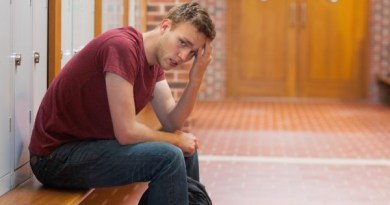 Worried-Male-College-Student-e1404141772718