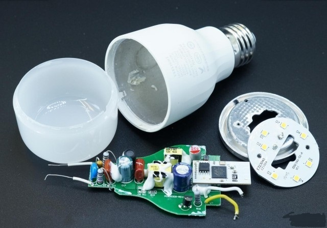 yeelight-LED-Smart-bulb-part