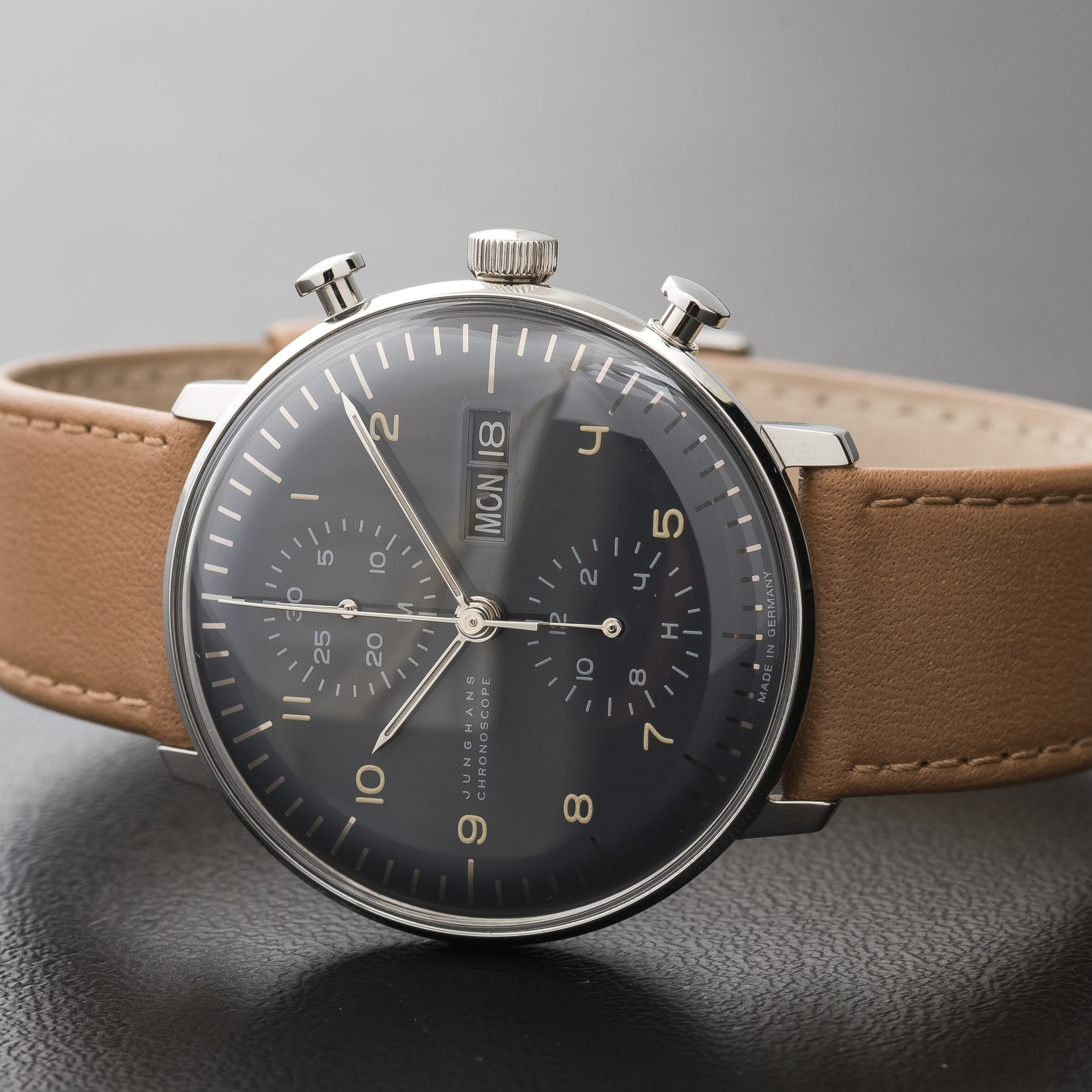 Max Bill Automatic Junghans Max Bill Automatic Chronoscope Chronograph Day Date Grey 027 4501 01