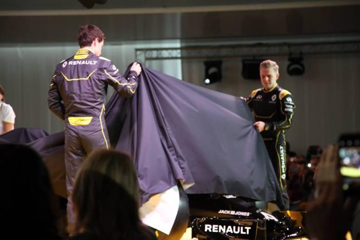 Bell Ross - Renault Sport F1 Team-.2jpg