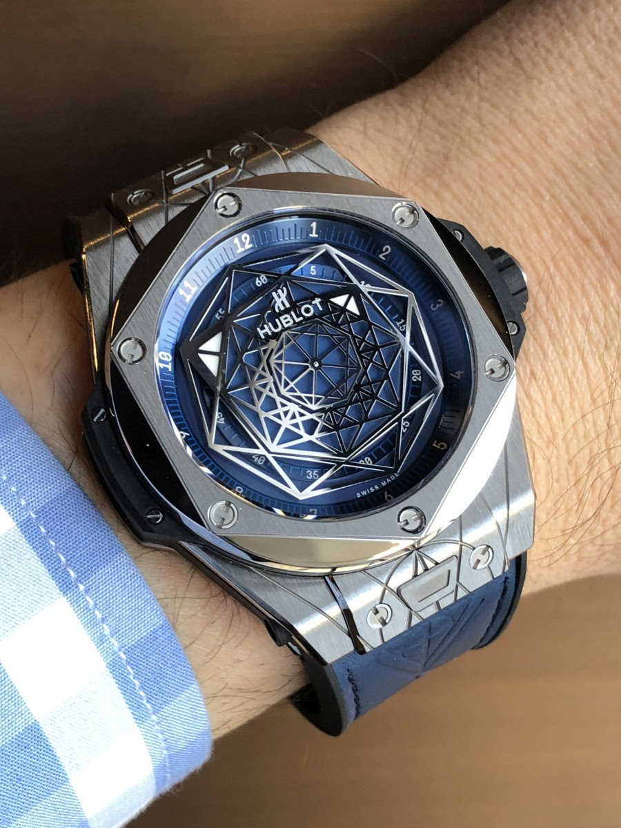 Boutique Made Paris Let 39s Browse The Geneva Novelties Thanks To The Hublot