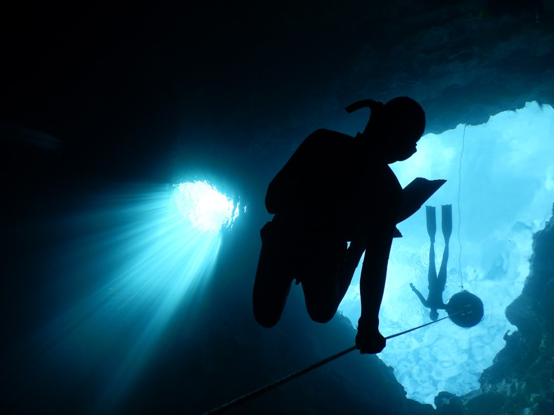 Freediving tours to the freshwater sinkholes in South Australia with WaterMaarq