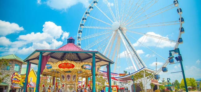 Ferris Wheel at the Island Pigeon Forge wide