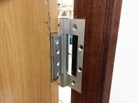 interior door hinge installation | Brokeasshome.com