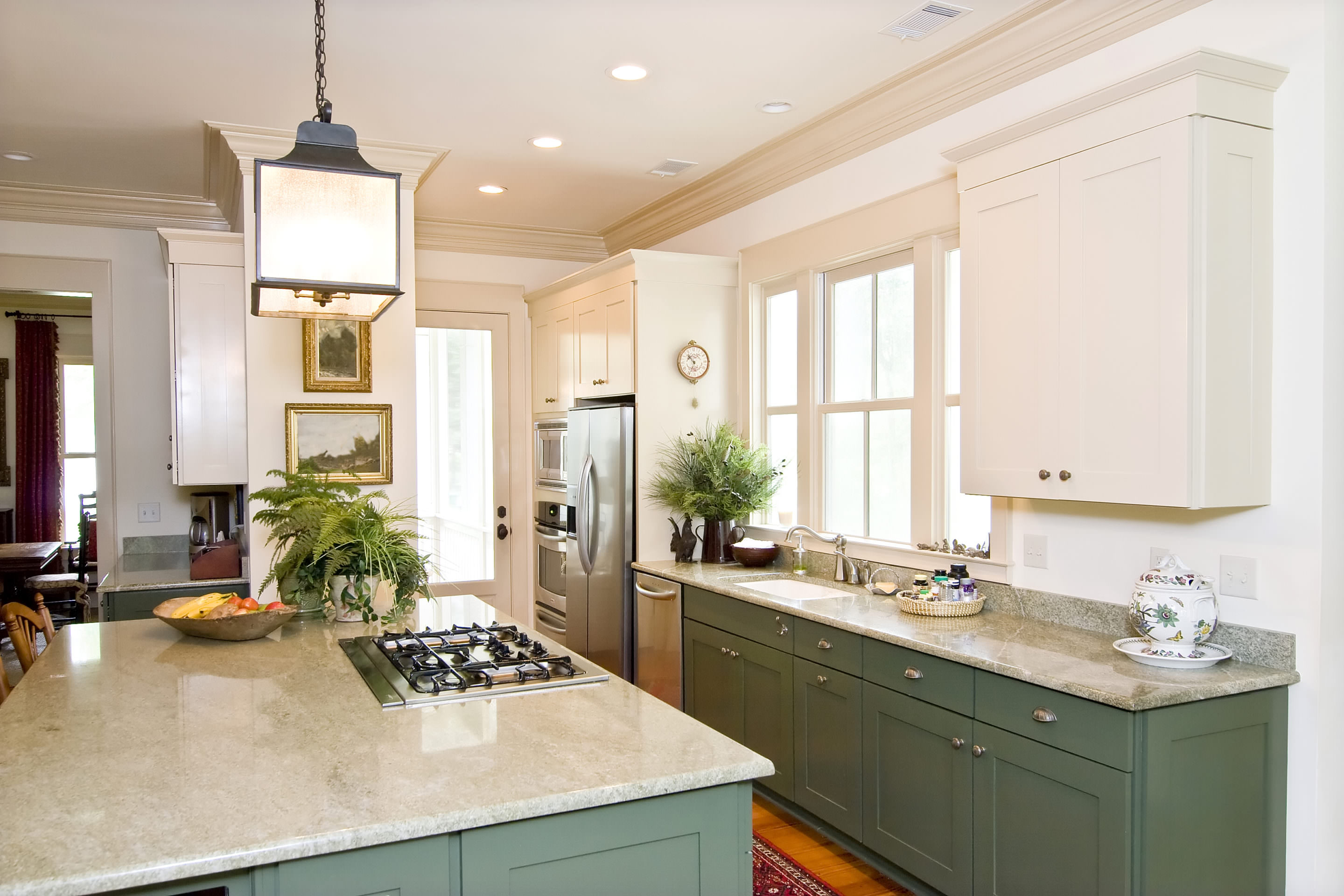 Houzz Small Kitchens Houzz White Shaker Kitchen Cabinets Kitchen Appliances Tips And