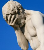 Paris_Tuileries_Facepalm_statue