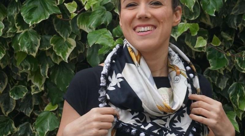 Wayome Upcycling foulard noir et blanc image une