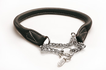 Giveaway: Leather collar from Euro Dog Designs (5/5)