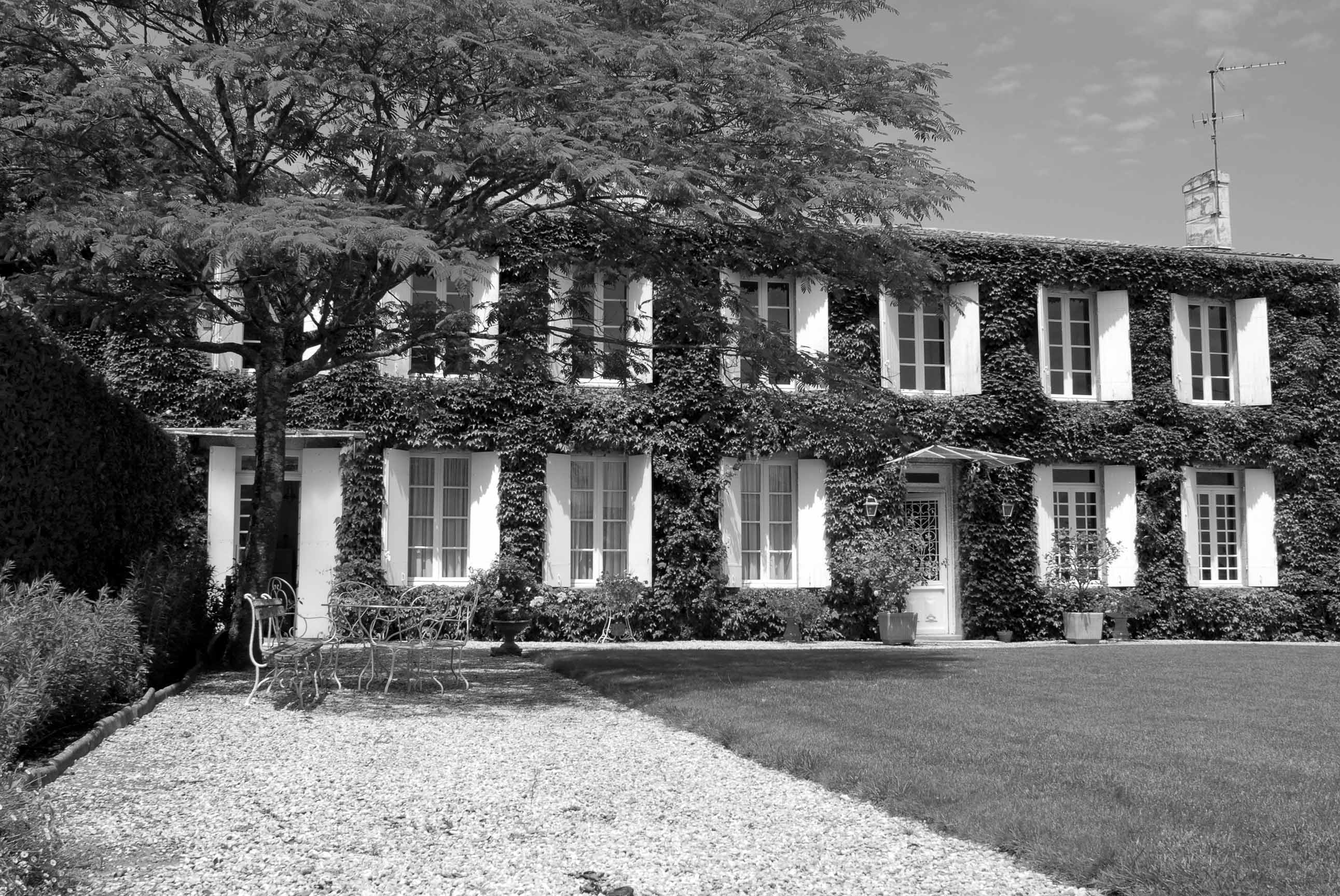 Black List Bordeaux Learn About Chateau Poujeaux Haut Medoc Moulis Complete Guide