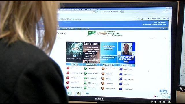 Time Warner Cable sending reps to businesses to improve Internet