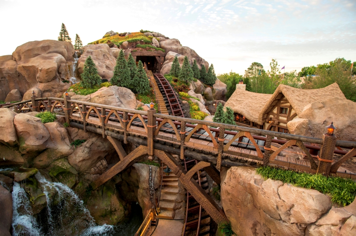 Lost White Card Nsw Wdwthemeparks Press Release Seven Dwarfs Mine