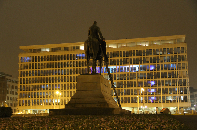 Maarten-Vanden-Eynde-The-Invisible-Hand-Brussels