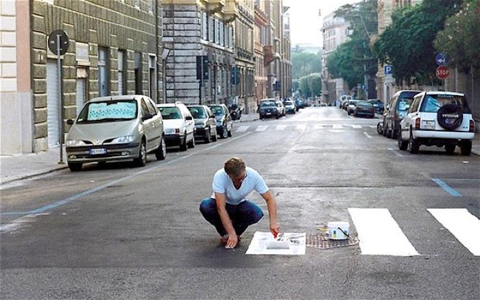 0Russia-Street-Guer_2414938b