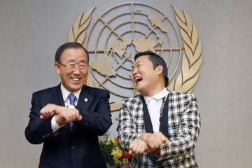 ban-ki-moon-and-psy-un
