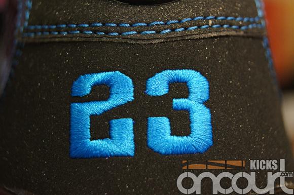 Air-Jordan-IX-(9)-Retro-Black-White-Photo-Blue-Detailed-Images-6