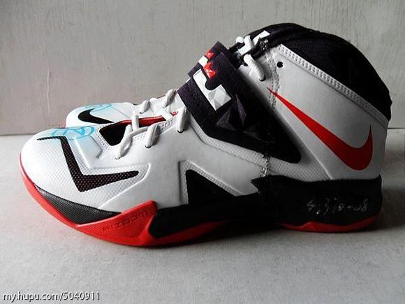 Nike-Zoom-Soldier-VII-(7)-Wear-Test-Sample-Detailed-Look-2