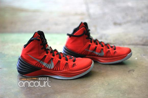 Nike-Hyperdunk-2013-Detailed-Images-3