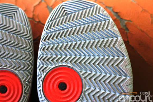 Nike-Hyperdunk-2013-Detailed-Images-5