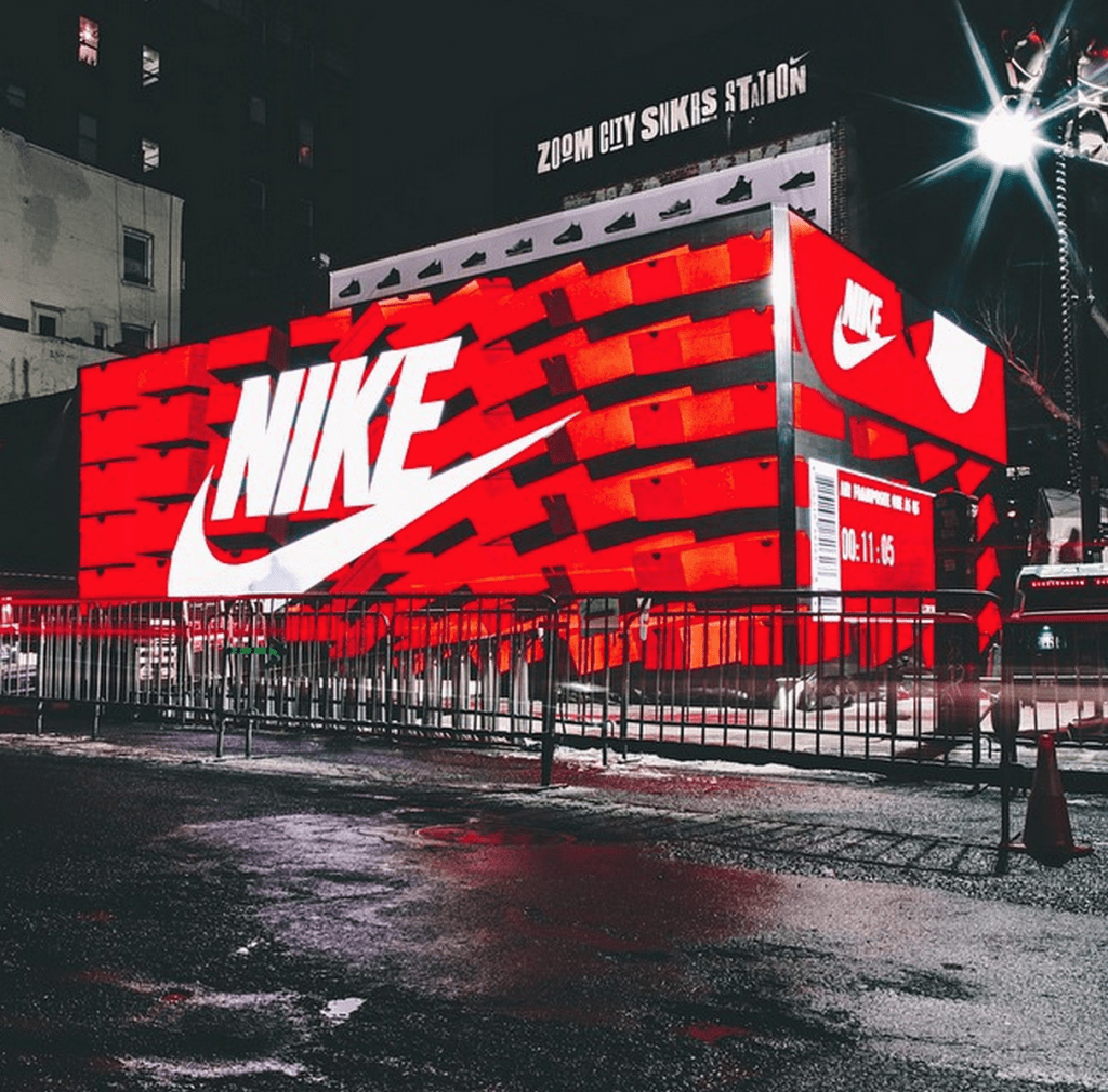 Nyc Calendar November 2015 The Nyc Taxi Drivers Calendar Giant Nike Box Coming To West Coast Weartesters
