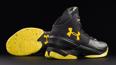 Get an Official Look at the Under Armour Curry 2 'Black Knight' 2