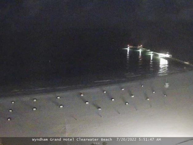 hooters livecam view of Clearwater Beach Fla